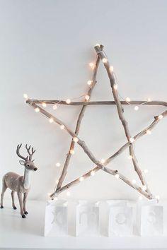 Une jolie étoile en branches de bois pour la décoration de Noël scandinave  Voir + de photos ici >> http://www.homelisty.com/deco-noel-scandinave-inspirations-idees-23-photos/