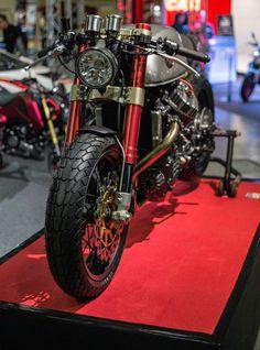 Sacha Lakic's CX500