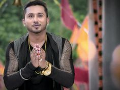 Yo Yo Honey Singh Takes A Dig At Jhalak Dikhhla Jaa And The 3 Judges In India's Raw Star Promo - http://www.yoyohs.com/yo-yo-honey-singh-takes-a-dig-at-jhalak-dikhhla-jaa-and-the-3-judges-in-indias-raw-star-promo/Yo Yo Honey Singh who has his upcoming talent hunt show, India's Raw Star, has been auditioning talent across the nation, took a dig at the dance reality show Jhalak Dikhhla Jaa and it's three judges, Madhuri Dixit, Karan Johar and Remo Dsouza, in his lat