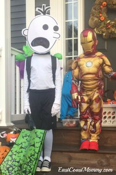 This site has OVER 20 easy ideas for DIY costumes that require NO sewing. This Diary of a Wimpy Kid costume is adorable! Easy Halloween Costumes, Halloween 2019, Diy Costumes, Halloween Kids, Craft Tutorials, Diy Projects, Wimpy Kid, Imaginative Play, Holiday Fun