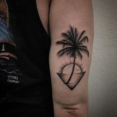 Tricep Tattoos, Body Art Tattoos, Sleeve Tattoos, Tattos, Unique Tattoos For Men, Tattoos For Guys, Mini Tattoos, Small Tattoos, Tatoo Neck