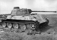 """Pz.Kpfw. V """"Panther"""" No. 434 from the 51st tank battalion of the Wehrmacht, K.O. with artillery fire at Kursk."""