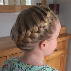 Source by mailinweishaupt Related posts: The French Crown Braid tutorial! ✨ Half Up French Braid Crown Das French Crown Braid Tutorial! Beautiful Hairstyle For Girl, Beautiful Braids, Beautiful Hairstyles, Braided Bun Hairstyles, Cute Hairstyles, Sporty Hairstyles, Braided Buns, Bun Braid, Goddess Hairstyles