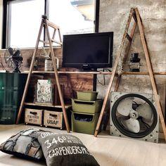 yupinokoさんの、ラダーをTVボードに,ドラム缶,クッション,セルフリノベーション,NYスタイル,木箱,海外インテリアに憧れて,インダストリアル,男前,DIY,アメブロやってます♡,ラダー,squ 賞,ガレージ風,寝室改造中,工業扇,足場風ラダーDIY,ベッド周り,のお部屋写真
