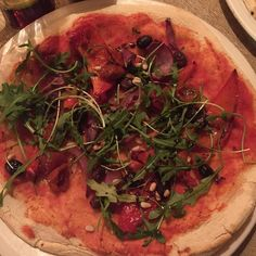 Totally vegan Pizza from @bellaitaliarestaurants - love the vegan friendly menu by the way!! #veganpizza #dairyfreepizza #pizza #veganlife #vegan #veganfood #iphonephotography #vegetarian #plantbased #fooddiary #foodie #nodairy #diet #cleaneats #tejalskitchen #healthyeats #dietlife #weightlossjourney #vegansofig #whatveganseat