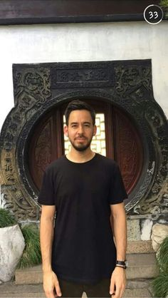 Mike Shinoda in China