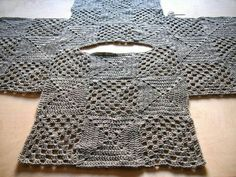 VMSomⒶ KOPPA: Vaaleanharmaa villaruutupaita Cannot understand the language, bu. : VMSomⒶ KOPPA: Vaaleanharmaa villaruutupaita Cannot understand the language, but I understand the layout of this design! Poncho Crochet, Pull Crochet, Mode Crochet, Crochet Jacket, Crochet Cardigan, Crochet Granny, Crochet Stitches, Crochet Sweaters, Crochet Tops