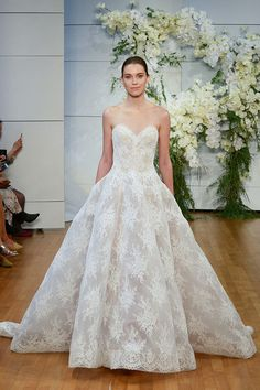Monique Lhuillier Bridal, Spring 2017 -  A Sneak Peek at Next Year's Most Beautiful Wedding Dresses - Photos