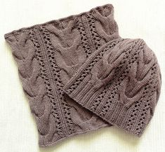 """Ravelry: niania2828's Ensemble """"Starr"""" pour Maya Scarf Hat, Knit Beanie, Beanie Hats, Knitted Headband, Knitted Gloves, Baby Knitting Patterns, Crochet Patterns, Knit Crochet, Crochet Hats"""