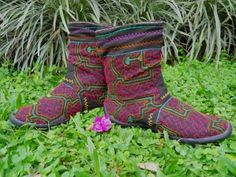 Authentic Shipibo embroidery inspired by ayahuasca visions and songs. These sacred geometric patterns are songs, prayers and blessings used to protect and armor the Body & the Spirit!
