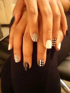 Monochrome nails. So cool! If you can spare the time - looks quite time-demanding ;)