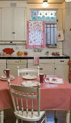 Red and white kitchen (design by the homeowner, photo by William Wright). Old House Journal Kitchen Month— I love a vintage white kitchen with red/white accents! Cozy Kitchen, Red Kitchen, Shabby Chic Kitchen, Country Kitchen, Kitchen Decor, Red And White Kitchen, Pastel Kitchen, Vintage Kitchen Curtains, 1940s Kitchen
