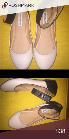 Steve Madden ankle strap flats In great shape, worn a few times. Size 8.5. Vegan leather. Adjustable ankle Straps. Colors are beige and black. Brand is Steve Madden Steve Madden Shoes Flats & Loafers