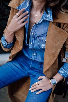 This shade of blue is so perfect with a camel - wearing blue jeans and a matching denim shirt with a camel suede trench coat Denim Fashion, Fashion Outfits, Womens Fashion, Habit Vintage, Suede Coat, Suede Jacket, Outfit Trends, Outfit Ideas, Lingerie