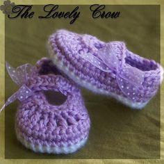 Very cute! Crochet slippers.