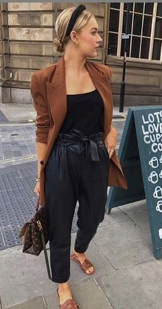 2020 Fashion Trends, Fashion 2020, Look Fashion, Fashion Outfits, Casual Chic Outfits, Classy Work Outfits, Fall Outfits, Look Blazer, Looks Chic