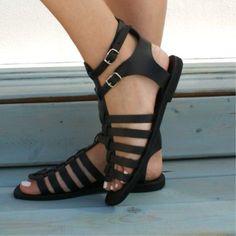 dbcb72e2e88 Retro Sandals Side Empty Low-Cut Buckle Flat Sandals