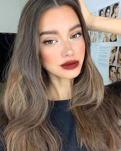 Pretty Girls with Natural Makeup Idea - Knitters Skin Makeup, Beauty Makeup, Hair Beauty, Makeup Tips, Flawless Makeup, Drugstore Makeup, No Makeup, 1920s Makeup, Makeup Contouring