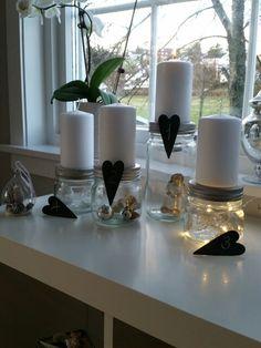 Adventslys på toppen av Norgesglass ☆ Vase, Table Decorations, How To Make, Home Decor, Interior Design, Vases, Home Interior Design, Dinner Table Decorations, Home Decoration