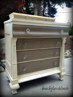 New Colors for the old ugly furniture. Annie Sloan Chalk Paint - Coco and Old White. Annie Sloan Painted Furniture, Chalk Paint Furniture, Distressed Furniture, Furniture Projects, Furniture Making, Diy Furniture, Bedroom Furniture, Oak Bedroom, Furniture Outlet