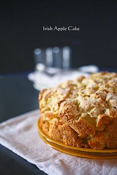 Irish Apple Cake - Kleinworth & Co   This is everything I love in food! #StPatricksDay #irish #applecake
