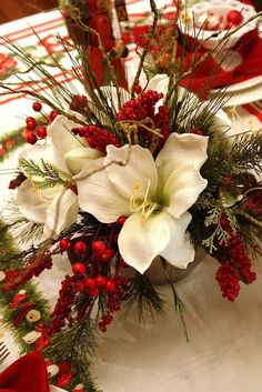 Below are the Flower Christmas Decoration Ideas. This post about Flower Christmas Decoration Ideas was posted under the category by our team at September 2019 at pm. Hope you enjoy it and don't forget to share this post. Christmas Flowers, Noel Christmas, All Things Christmas, Winter Christmas, Christmas Wreaths, Christmas Wedding, Advent Wreaths, Nordic Christmas, Winter Flowers