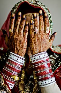 Indian bridal chuda - wedding bangles of some North Indian communities