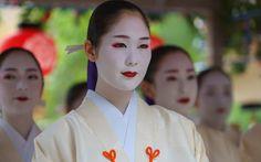 祇園祭 花傘巡行 舞踊奉納 先斗町 歌舞伎踊り あや野 KYOTO JAPAN