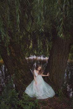 Давидюк Ирина фотограф, фотосессия на природе, феи, лесные нимфы, сказочная фотосессия, лес, ельфи, fairly-dreams, фотосессия в платьях.