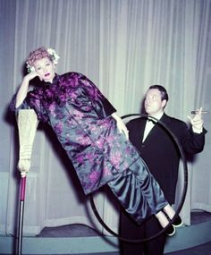 Lucy with Orson Welles -- do you remember when Orson used to do his magic tricks on lots of the TV variety shows?? He did them sometimes when he visited with Johnny Carson too in the 60s