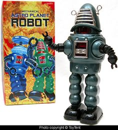 Kind of a mash-up of Robby the Robot and Lost in Space.