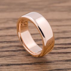 http://www.eradesign.ca/collections/wedding-bands/products/soft-dome?variant=18331517892 #eradesignjewellery 18K rose gold band