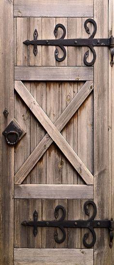 Самоклеящиеся фотообои на дверь Doorfix D 038 Амбарная Артикул Размер