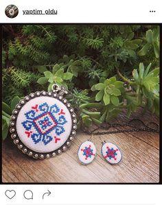 Cross Stitch, Jewelry, Punto De Cruz, Jewlery, Jewerly, Seed Stitch, Schmuck, Cross Stitches, Jewels