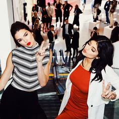 It's ALL about keeping it REAL Kendall! That's not even Kylie's real face...SMH.