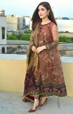 Stylish Dresses For Girls, Wedding Dresses For Girls, Prom Dresses With Sleeves, Simple Dresses, Casual Dresses, Long Dresses, Designer Party Wear Dresses, Kurti Designs Party Wear, Indian Designer Outfits