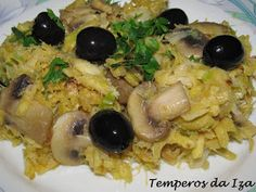 Risotto, Macaroni And Cheese, Ethnic Recipes, Food, Mushy Peas, Garlic, Spices, Ethnic Food, Meals