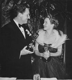 Bette Davis Oscar Dress 1939 #sterlizieblog #oscar #oscardresses #vintage #retro #fashion #cinema #hollywood #star #diva #oscars #academyawards