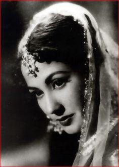 Film-Background-Meena-kumari.jpg (321×450)