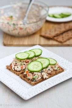 Low-Fat Salmon Salad Sandwich Recipe with Capers Low-Fat Salmon Salad Sandwich Recipe with Capers is quick & easy lunch option Salmon Recipes, Fish Recipes, Lunch Recipes, Seafood Recipes, Cooking Recipes, Lunch Foods, Sandwich Recipes, Capers Recipes, Salmon Food