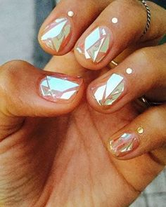 WOW WOW WOW! Obsessed with these negative space broken glass manicures! @nail_unistella Someone take us to Korea pls #nails #nailart #beauty #makeup #mirror #miroir
