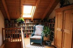 a cosy little library up in the attic - lovely