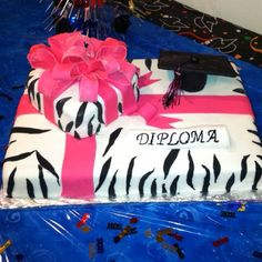 I want this cake when I get my graduate from beauty school
