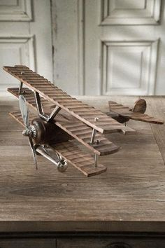 Small wooden airplane-for Silas' room Wooden Airplane, Airplane Decor, Woodworking Workshop, Woodworking Projects, Diy Arts And Crafts, Wood Crafts, Foam Armor, Wood Plane, Got Wood