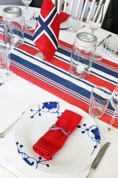 Inspiration - the norwegian constitution day, of May. Jarlsberg, Sons Of Norway, Champagne Breakfast, Constitution Day, Norwegian Food, Public Holidays, Time To Celebrate, 4th Of July, Scandinavian