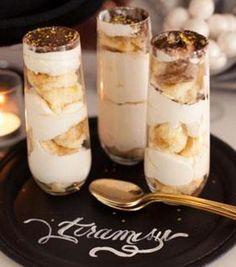 Egyszerűen, gyorsan elkészíthető, mutatós desszert szilveszterre: tiramisu pezsgőspohárban.