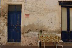 Dans les rues de Salina » SICILIA BELLISSIMA Rue, Articles, Painting, Painting Art, Paintings, Painted Canvas, Drawings