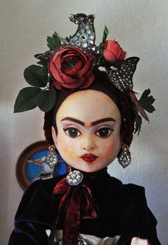 Items similar to as seen in Art Doll Quarterly - her name is Frida // Frida Kahlo papier mache art doll - ooak / art doll on Etsy Frida Kahlo Diego Rivera, Frida And Diego, Mexican Artists, Mexican Folk Art, Frida Art, Doll Painting, Chef D Oeuvre, Paperclay, Doll Face