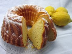 Joghurt - Zitronen - Gugelhupf, ein sehr leckeres Rezept aus der Kategorie Kuchen. Bewertungen: 360. Durchschnitt: Ø 4,4.