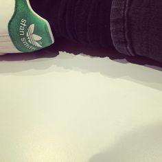 Stan Smith et grosses chaussettes